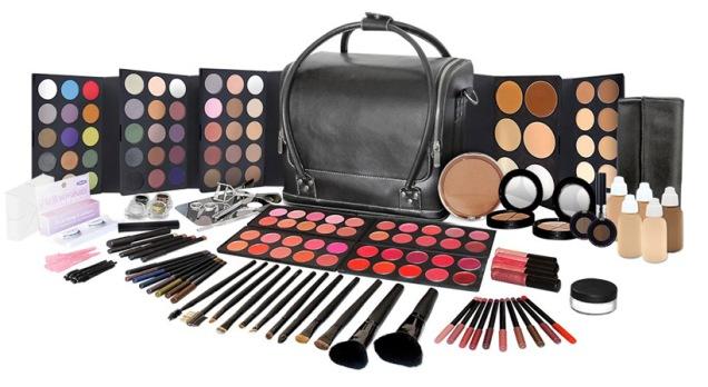 Master_Makeup_Kit1